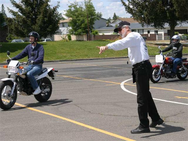 Как научиться ездить на мотоцикле и получить права