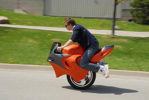 Одноколесный мотоцикл – история его возникновения
