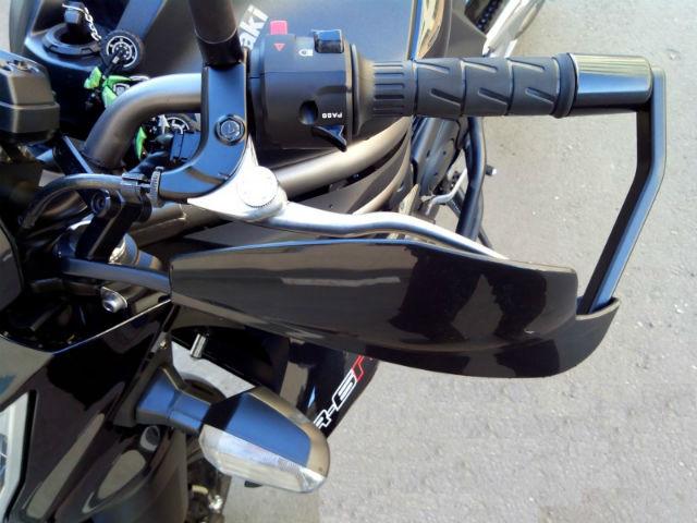 Защита для рук на мотоцикле