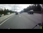 BMW M6 надрала мотоцикл как стоящего)