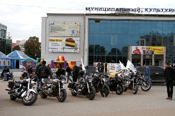 Рязанские байкеры поздравили компанию «Билайн» с юбилеем