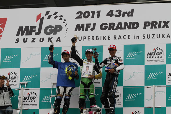 Honda закончила сезон лидером в чемпионате Японии
