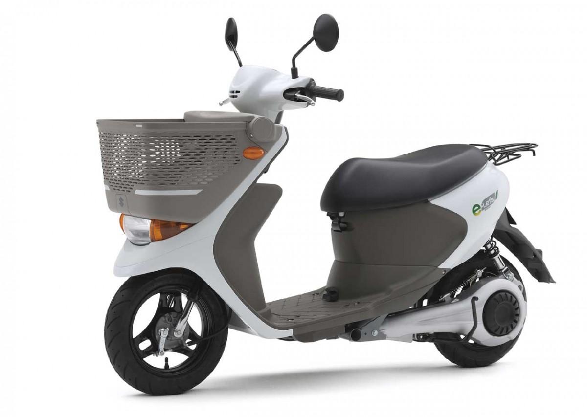 Электроскутер Suzuki e-Let's появится в продаже