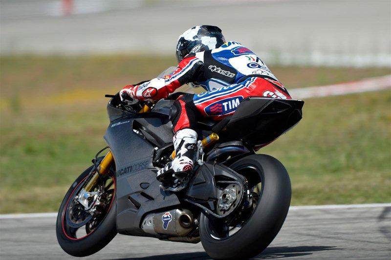 Чека прокатился на Ducati 1199 Panigale