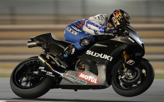Уже в Барселоне возможна встреча с байком Suzuki GSV-R1000.