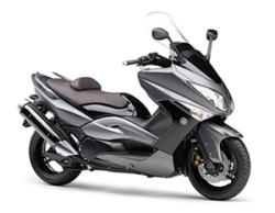 Yamaha T-MAX - достойный конкурент другим мотоциклам