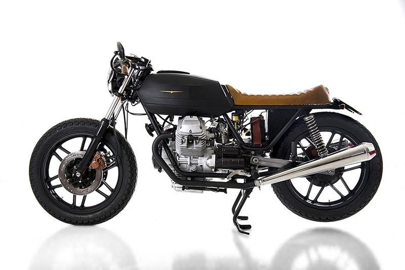 Первой моделью Марко Маттеуччи стал Кафе рейсер Moto Guzzi V35 Black Boot