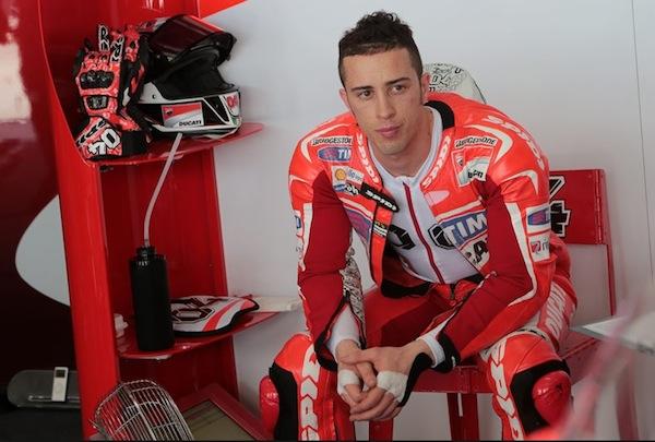 Андреа Довизиозо косвенно подтверждает информацию о возможности присутствия Ducati в открытом классе