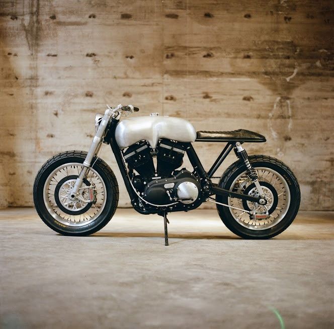 Техасское ателье Revival Cycles создало кастом на базе Harley-Davidson Sportster 883
