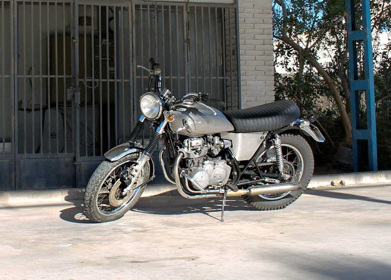 Классик-кастом Kawasaki KZ400 Kazuma от двух братьев из Испании