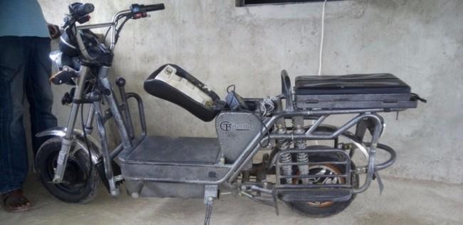 В Кении изобрели мотоцикл, который работает от солнечных батарей