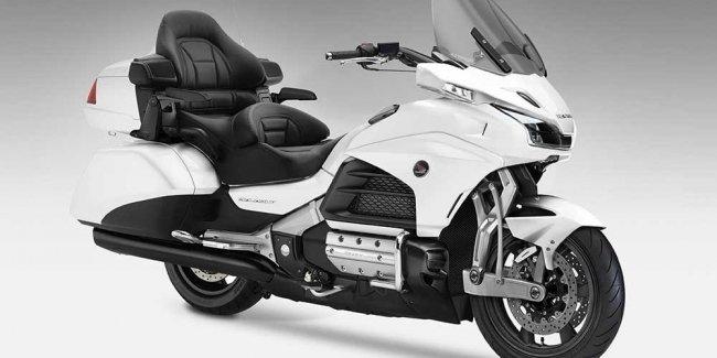 Honda Gold Wing Behemoth 2018 оснащена обновленной подвеской