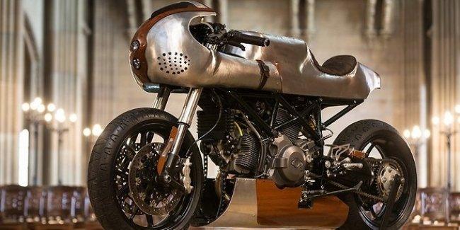 Измененный до неузнаваемости Ducati Hypermotard 796