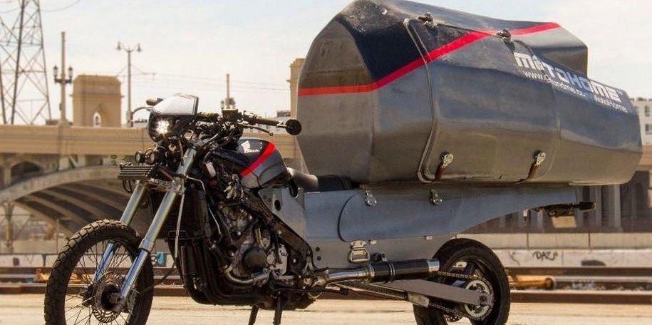 Американец сделал из мотоцикла дом на колесах