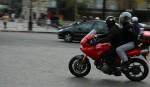 Мотоциклисты Франции протестуют против новых правил дорожного движения