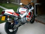 Мотоцикл YZF 750 R 1995: Эксплуатация, руководство, цены, стоимость и расход топлива