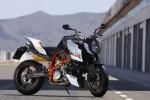 Мотоцикл 990 Super Duke R (2010): Эксплуатация, руководство, цены, стоимость и расход топлива