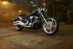 Информация по эксплуатации, максимальная скорость, расход топлива, фото и видео мотоциклов XV1900 Raider S (2012)